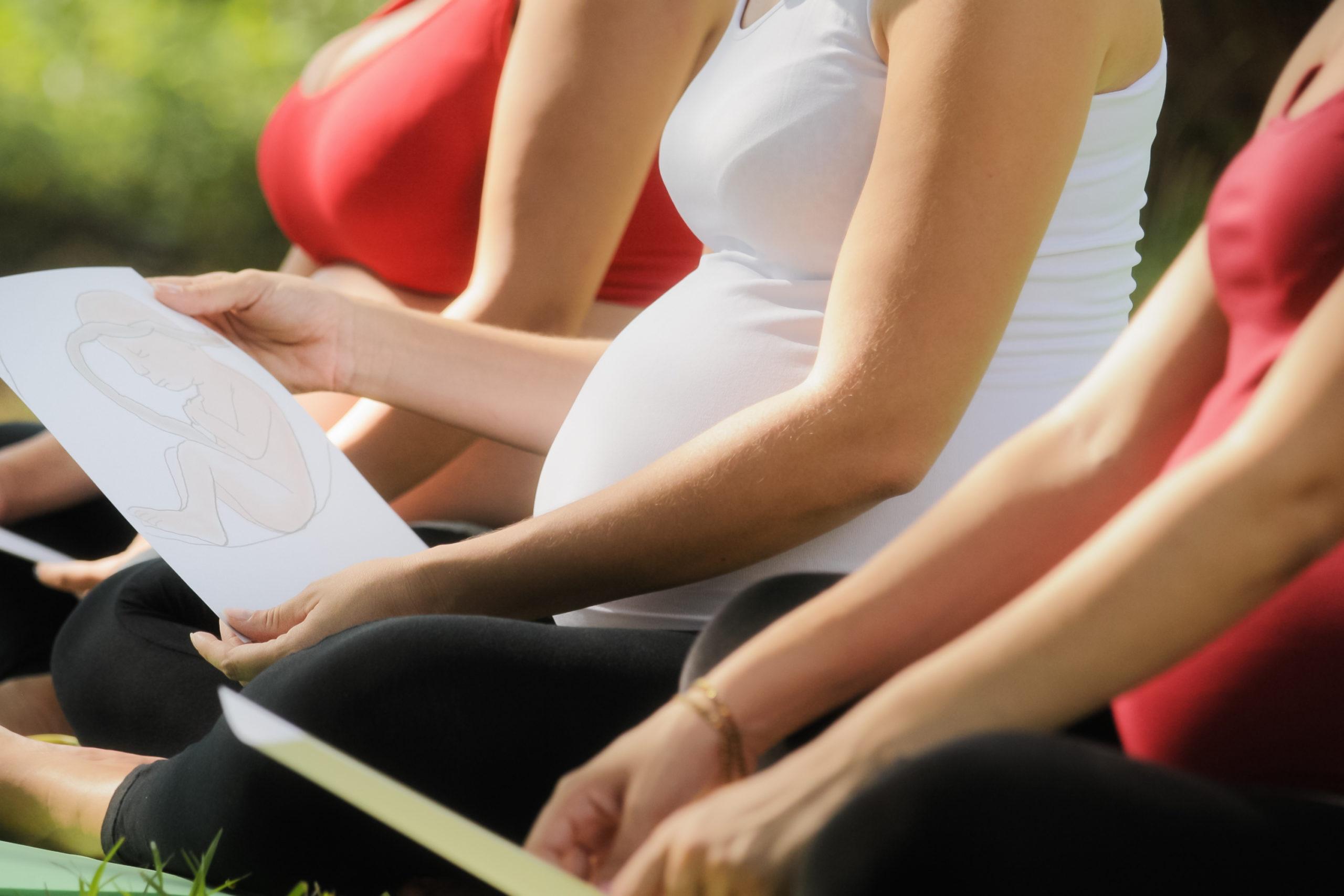 Schwangere Frauen im Vorbereitungskurs